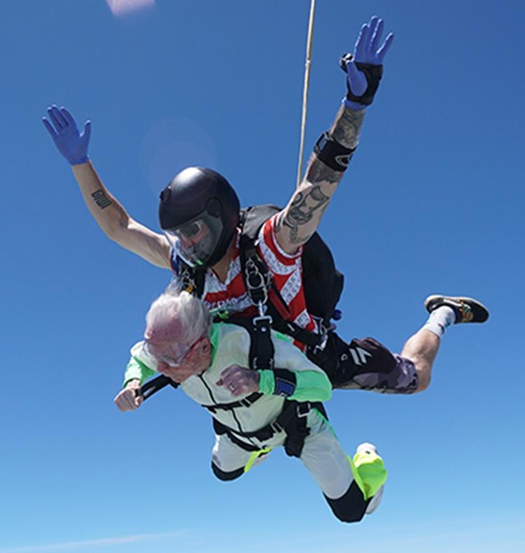 103-Year-Old Man Parachute Jump