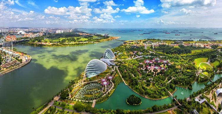 singapore man-made waterfalls