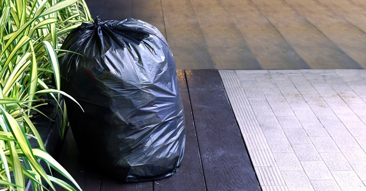 canada garbage bag
