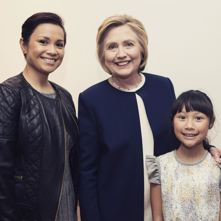 Lea Salong, Hillary Clinton